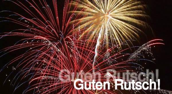 9898-Silvester-Feuerwerk-Nachthimmel-Guten-Rutsch_a