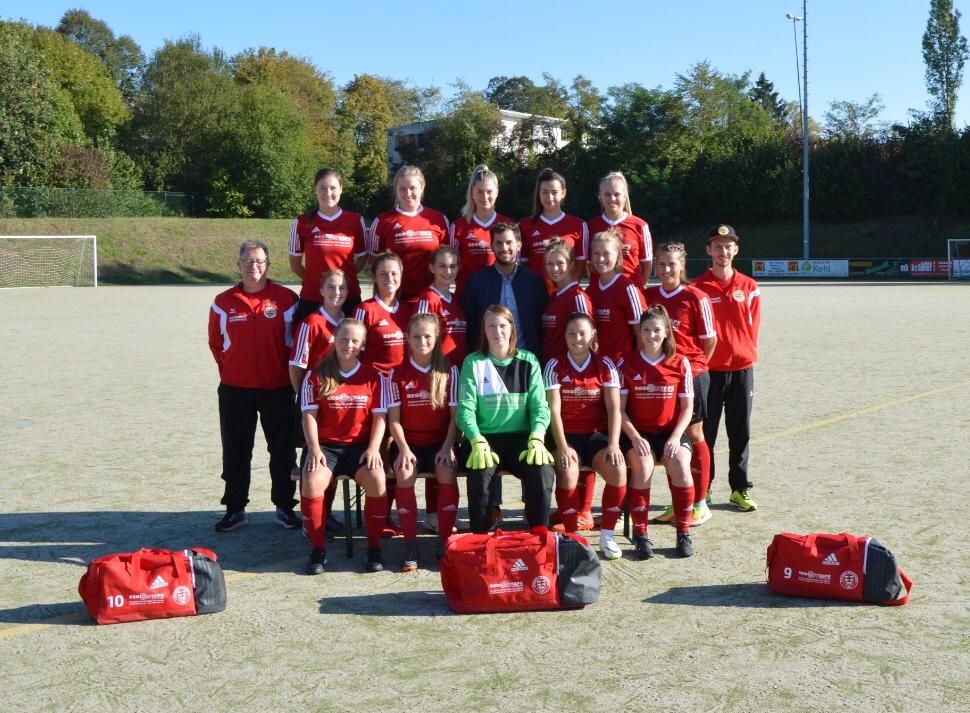 Regiotape sponsert erneut Frauenmannschaft